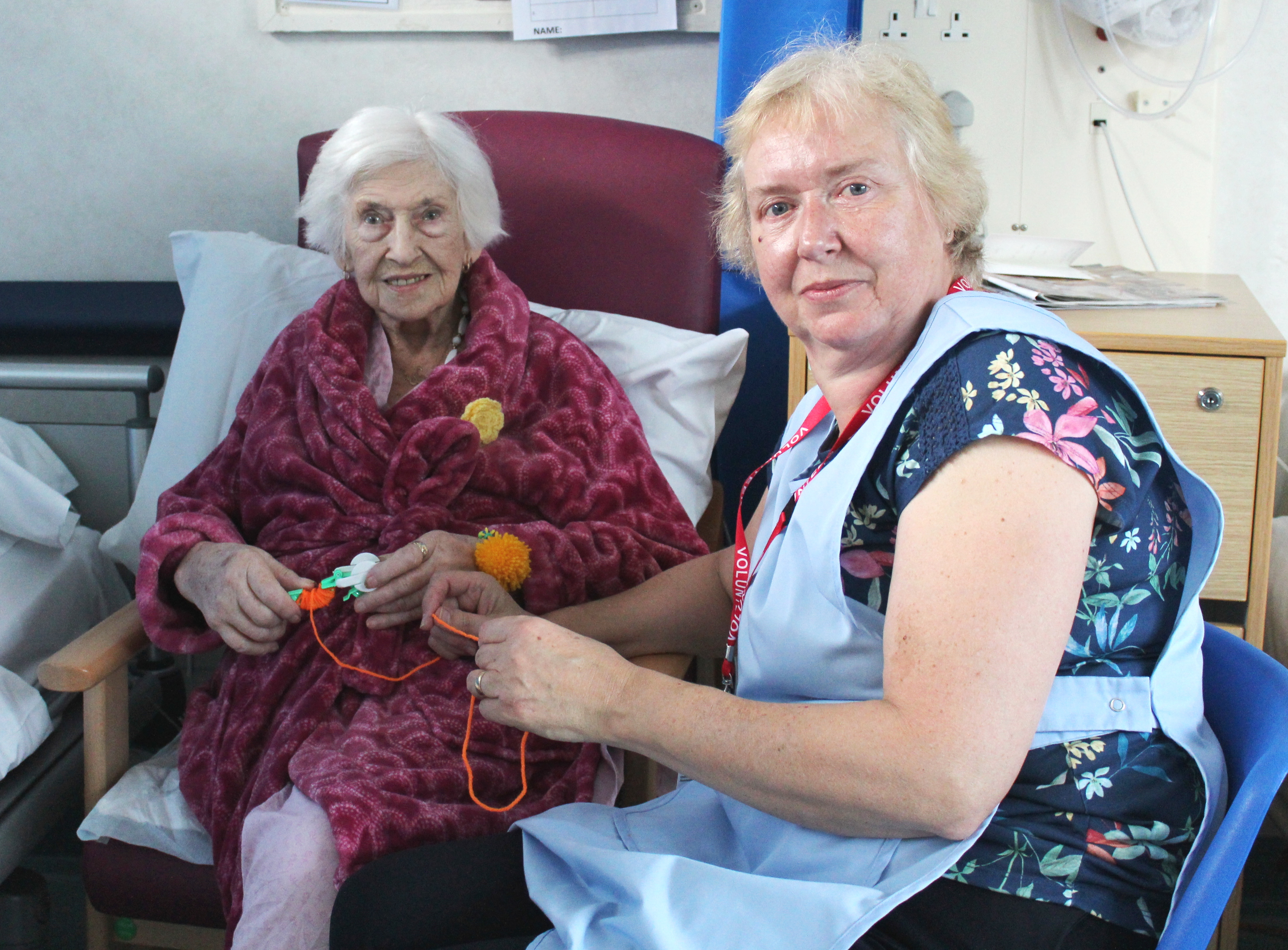 Patient Mair Whitby and Jennie Gatley, craft volunteer on ward G4
